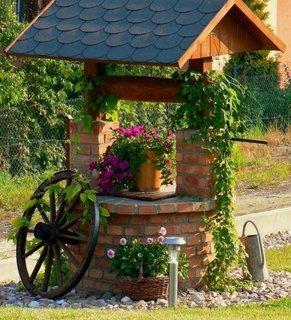 Fantana decorativa de gradina din caramida