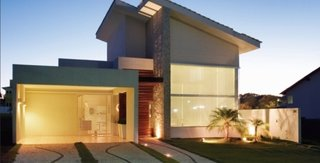 Model de casa mica si moderna cu fatada inedita