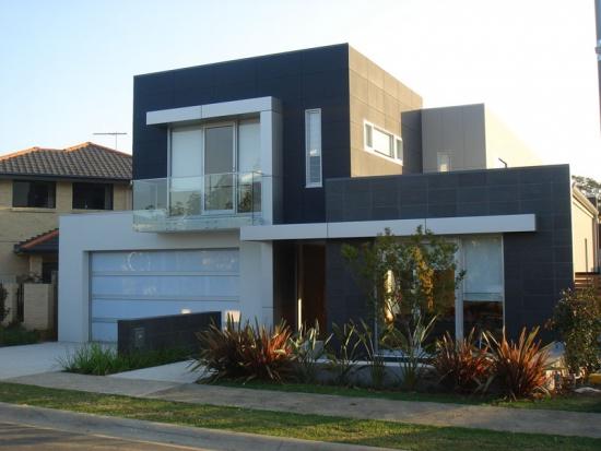 Model inedit de fatada exterioara pentru casa mica si moderna
