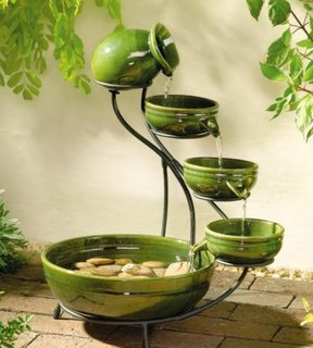 Boluri cu apa langa intrarea in casa o traditie Feng Shui