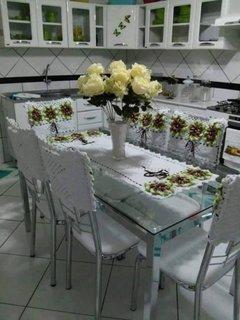 Set crosetat cu flori pentru bucatarie