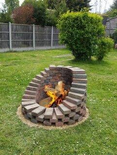 Idee foc de tabara decorativ pentru gradina