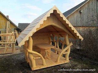 Foisor de gradina din lemn rotund
