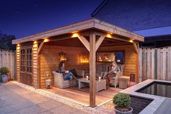 Casuta de gradina din lemn cu pavilion