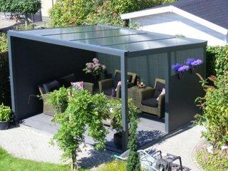 Pavilion de gradina cu structura metalica acoperit cu policarbonat
