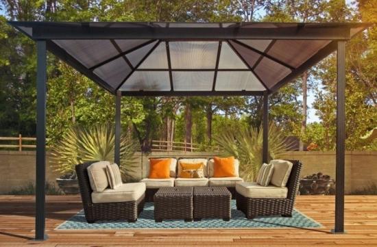 Pavilion gradina cu acoperis din policarbonat transparent