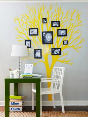 Sticker decorativ copac galben cu fotografii de familie atasate
