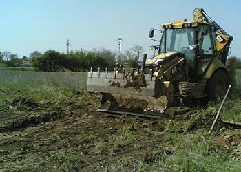 Fundatie casa de lemn buldozer escavator