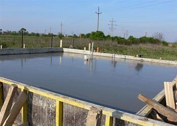 umezirea fundatiei de beton