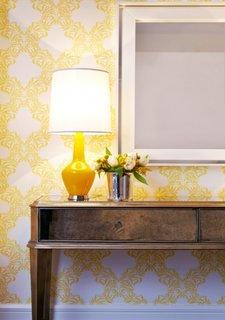 Tapet galben cu modele geometrice albe design tranzitional