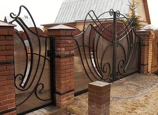 Gard fier forjat cu panou de policarbonat