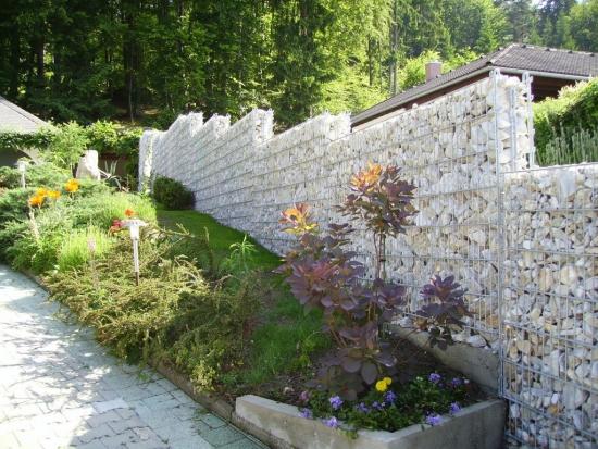 Gard gabioane pentru teren in panta
