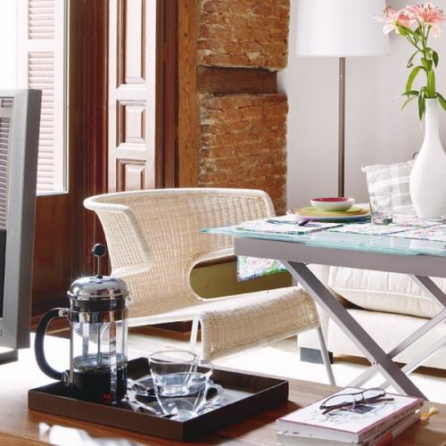 Zona de servit masa din apartamentul cu o camera