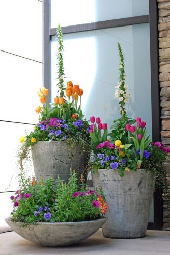 Ghivece decorative de exterior din beton