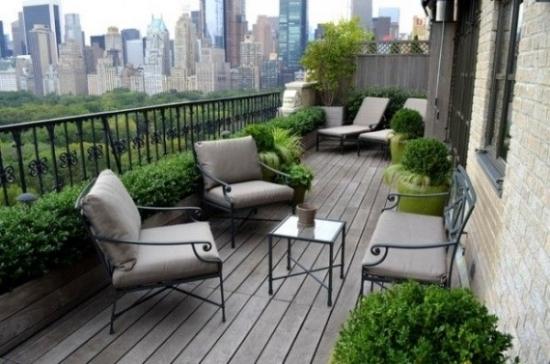 mobilier de fier forjat in balcon