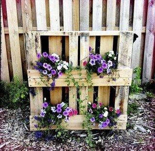 Gradina verticala confectionata din paleti din lemn