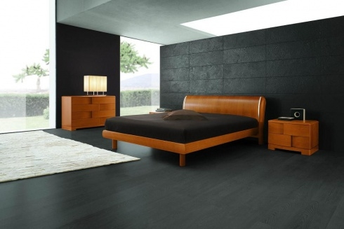Dormitor simplu si linistitor cu mobila putina