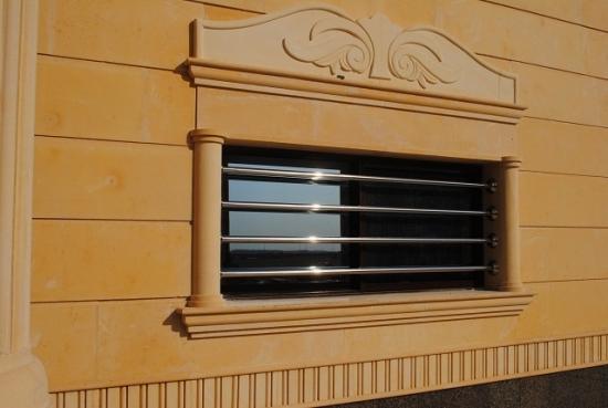 Grilaj modern fereastra