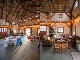 Living cu canapele rustice si loc pentru luat masa cu scaune colorate