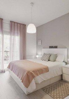 Dormitor mic amenajat frumos