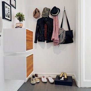 Model de pantofar modular suspendat pe perete