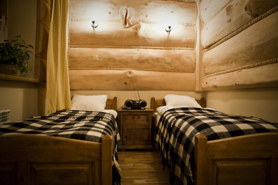 Dormitor mic cabana din lemn