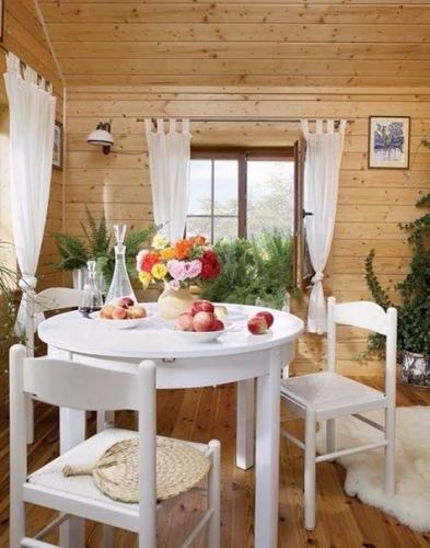 Amenajare dining casa din lemn