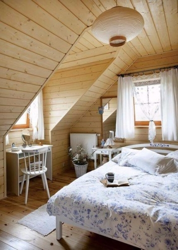 Amenajare dormitor casa din lemn