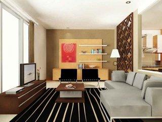 Covor negru cu dungi albe comoda TV neagra si canapea gri deschis