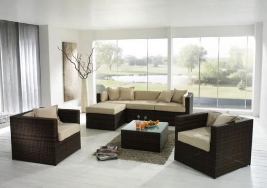 Set de coltar si doua fotolii mobilier pentru un living simplu