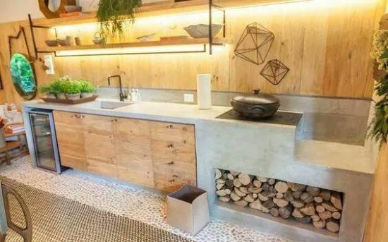 Bucatarie moderna cu soba cu plita