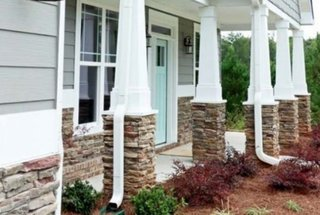 Stalpi terasa imbracati cu piatra decorativa