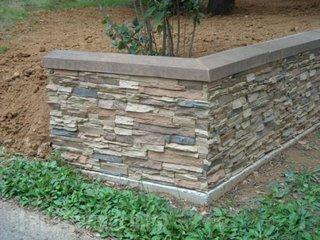 Zid gradina placat cu piatra decorativa