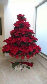 Suport pentru flori in forma de copac