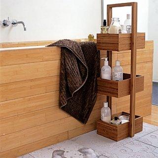 Cada placata cu lemn tratat antiumezeala si suport din lemn pentru produse cosmetice