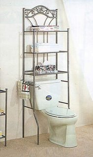 Cadru de inox cu etajere ce incadreaza vasul de toaleta