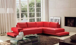 Canapea rosie frumoasa din piele