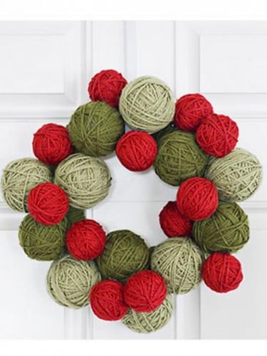Ghirlanda pentru usa cu ghem de lana