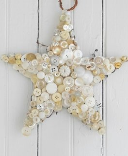 Stelute decorate cu nasturi
