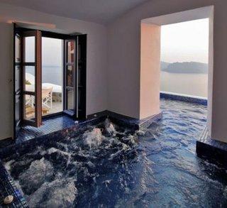 Valuri piscina si racoare in casa