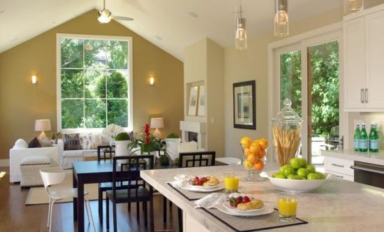 Bucatarie si living open space decor in doua culori
