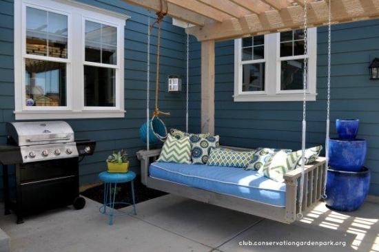 Balansoar pentru terasa facut din paleti de lemn
