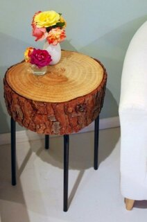 Noptiera din lemn cu scoarta