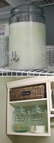 Detergent lichid in borcane cu robinet