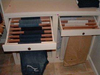 Rafturi culisante cu suporturi pentru uscarea rufelor