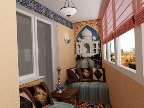 Balcon amenajat in stil turcesc