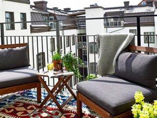 Cum iti poti amenaja un balcon foarte comod