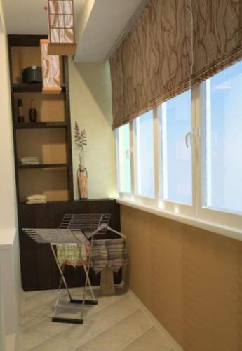 Varianta pentru amenajarea unui balcon ingust si lung
