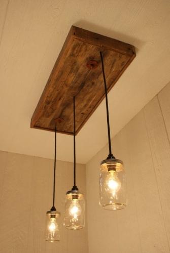 Corp de iluminat din lemn