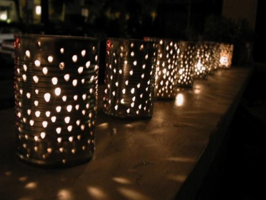 Corpuri de iluminat din cutii de tabla